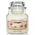 Yankee Candle Housewarmer Jars 104 Gramm Strawberry Buttercream